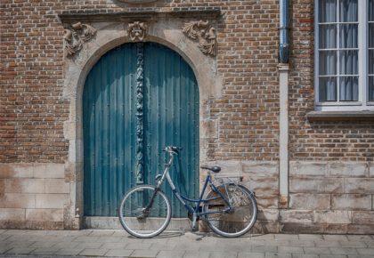 Visitez le Douaisis avec des visites guidées à vélo à assistance électrique.